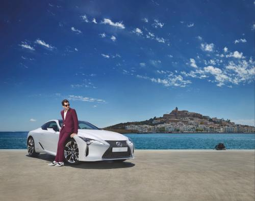 Lexus chooses Marina Ibiza as the stage to launch the new LC, starring Mark Ronson